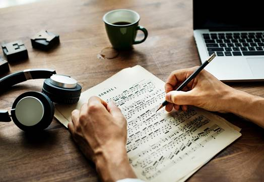 Songwriting For Beginners - Compose Song Lyrics